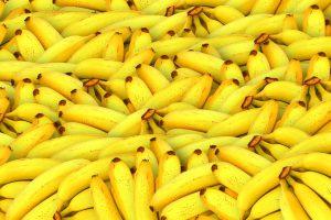 Placuszki bananowe zawierają potas i błonnik.