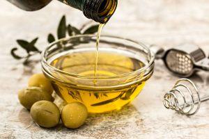 Oleje do smażenia powinno sięograniczyć w czasie diety
